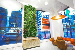 Vancouver-green-wall-LEED